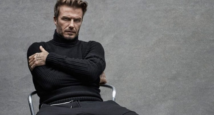 11-041756-how_to_wear_a_turtleneck-998x540